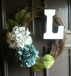 DIY wreath  ...love the hydrangeas