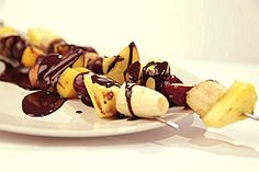 Grilled Fruit Kabob with Melted Dark Chocolate