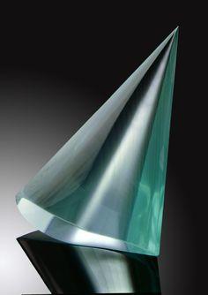 Jiri Karel SPIKE (molten, cut and polished flat glass – float) Photo: Lubomir Hana