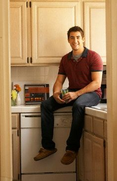 Jonathan Togo.... You're one of the reasons I watch CSI: Miami