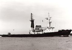 The mighty Z-Tug Wolraad Woltemade in 1976 she just looked right