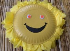 arts and crafts for toddlers Cute sun, spray paint two paper plate yellow, glue yellow tissue paper to inside of one paper plate, then glue the second (the back of the sun)
