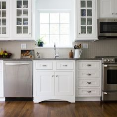 Shiloh cabinets: Wyatt in Polar Painted White.