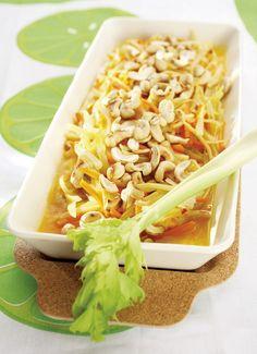 Kantonin kuha kypsennetään uunissa ja viimeistellään itämaisella vihanneskastikkeella.