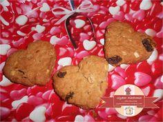 Heart shaped cookies with whole meal flour and muesli / Καρδιόσχημα μπισκότα με αλεύρι ολικής και μούσλι Muesli, Cookies, Desserts, Food, Crack Crackers, Tailgate Desserts, Deserts, Granola, Biscuits