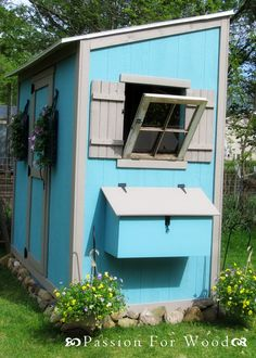 Ana White-Build a Shed Chicken Coop .LOVE Anas website, so many awesome DIY projects and wonderful ideas! Chicken Coop Plans Free, Easy Chicken Coop, Building A Chicken Coop, Building A Shed, Backyard Coop, Backyard Chicken Coops, Backyard Playground, Chickens Backyard, Backyard Farmer