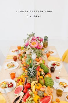 Let There Be Fruit, Veggies, and Peonies: A Fresh Summer Party with More DIY Ideas - Obst Desserts Cheese Burger, Easy Entertaining, Tropical Party, Summer Diy, Summer Parties, Creative Food, Decoration, Food Photography, Veggies