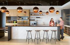 Blitz Architecture + Interiors has developed the new offices of fast-growing cyber security company Malwarebytes located in Santa Clara, California. Office Canteen, Office Bar, Kitchen Office, Office Workspace, Office Ideas, Office Designs, Office Spaces, Office Kitchenette, Office Cubicles