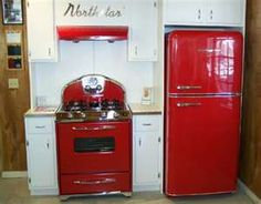 Vintage Kitchen Northstar retro kitchen appliances, These can be purchased from this company and come in several different colors and are up to standards for the century! But, look so vintage! Red Appliances, Vintage Kitchen Appliances, Vintage Kitchen Decor, Electrical Appliances, Bosch Appliances, Electronic Appliances, Kitchen Cabinets, Estilo Interior, Vintage Stoves