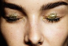 christmas-inspiration-gold-glitter-make-up-beauty-oracle-fox