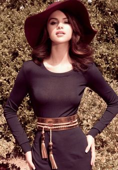 Selena Gomez, Elle Mexico wearing Gucci tassel belt