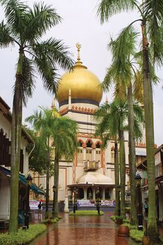 Masjid Sultan. When Singapore was ceded to the British in 1819, Temenggong Abdul Rahman, the island's chief, and Sultan Hussain Shah of Johore, under whose jurisdiction Singapore fell, acquired small fortunes in exchange for their power. Sultan Mosque has stayed essentially unchanged since it was built, with only repairs carried out to the main hall in the 1960s and an annex added in 1993. It was gazetted as a national monument on 14 March 1975.