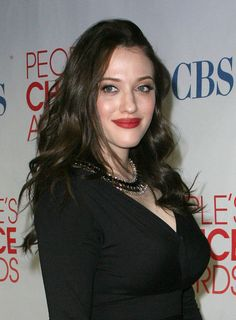 Her dark, wavy hair and signature red lips are ALWAYS on point. Photo - 34 times Kat Dennings' hair and makeup were red carpet goals Kat Dennings, Wavy Hair, Her Hair, Ruby Red Lipstick, Salma Hayek Young, Beautiful Blonde Girl, Girl Crushes, Woman Crush, Top Knot
