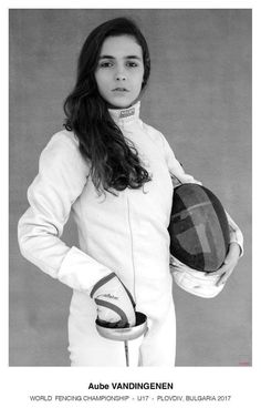 Fencer : Aube Vandingenen Plovdiv WK 2017 ( place 21 ) The Fencer, Fencing Sport, Anatomy Study, Kids Choice Award, Sport Photography, Senior Portraits, Senior Pictures, Kendo, Ladybugs