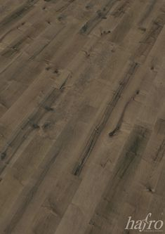 GEALTERT   CARBONISIERT   GEBRAUCHSFERTIG NATUR GEÖLT LÄNGE: 1900 mm BREITE: 190 mm STÄRKE: 15 mm SYSTEM: Dropdown Clic mit Fase AUFBAU: 3-Schicht Landhausdiele  #hafroedleholzböden #parkett #böden #gutsboden #landhausdiele #bödenindividuellwiesie #vinyl #teakwall #treppen #holz #nachhaltigkeit #inspiration Hardwood Floors, Flooring, Vinyl, Inspiration, Wood Floor, Stairways, Sustainability, Contemporary Design, Nature
