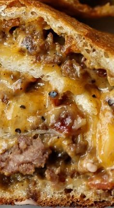 Garbage Bread is crazy delicious, perfect for a party or weeknight meal, and endlessly adaptable! My favorite is this Bacon Cheeseburger Garbage Bread…it's cheesy, packed with flavor, and served with classic hamburger sauce! Casserole Recipes, Crockpot Recipes, Cooking Recipes, Healthy Recipes, Stuffing Casserole, Hamburger Casserole, Delicious Recipes, Hamburger Dishes, Healthy Soup