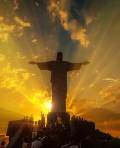 A breathtaking sunset and the iconic Christ the Redeemer in Rio de Janeiro, Braz.- A breathtaking sunset and the iconic Christ the Redeemer in Rio de Janeiro, Brazil Image Jesus, Jesus Christ Images, Beautiful World, Beautiful Places, Wonderful Places, Christ The Redeemer, Savior, Jesus Christus, Jesus Pictures