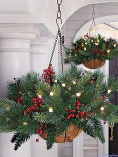 29 Joyful Christmas Porch Decor Ideas