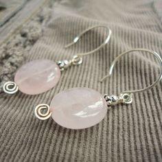 Rose Quartz Earrings in Sterling Silver Pink por mamisgemstudio