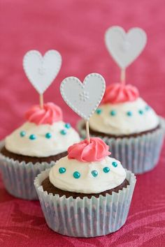 love cream cup cake