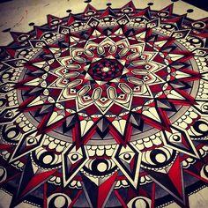 symetrie-parfaite-tout-droit-venus-du-tibet-77 #mandala #coloriage #adulte via dessin2mandala.com