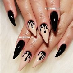 30 Great Stiletto Nail Art Design Ideas 1 – Creative Stiletto Nails Designs, You can collect images you discovered organize them, add your own ideas to your collections and share with… Cute Halloween Nails, Halloween Acrylic Nails, Halloween Nail Designs, Best Acrylic Nails, Disney Halloween, Holloween Nails, Women Halloween, Halloween 2020, Spirit Halloween