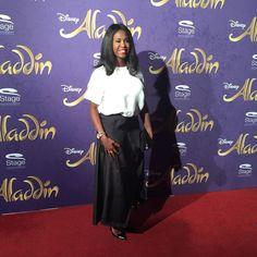 Tänzerin Motsi Mabuse auf der Premiere von Disneys #Aladdin #AladdinHamburg