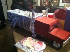 Our Little Place on the Prairie: Nothing Says Happy Valentines Like a Semi Truck Trailer Valentine Boxes For School, Valentines For Boys, Homemade Valentines, Valentines Day Party, Valentine Day Crafts, Boys Valentine Box Ideas, Valentines Recipes, Printable Valentine, Valentine Wreath