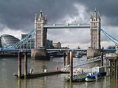 London 2010 Tower Bridge.jpg