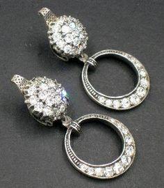 Vintage French Depose' Rhinestone Dangle Earrings #vintagejewelry #frenchjewelry #vintageearrings #rhinestonejewelry #dangleearrings #earrings #vintagefashion 49.00 Jewelry Art, Antique Jewelry, Jewelry Rings, Vintage Jewelry, Fine Jewelry, Vintage Costume Jewelry, Vintage Costumes, Rhinestone Jewelry, Vintage Earrings