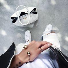 regram #inessbalcony #streetstyle #streetfashion #picoftheday #photooftheday #instapic #inspo4all #instagood #instamood #fashionable #fashionista #modern #trendy #stylish #chic #rippedjeans #heels #shoeporn#hermes #bracelet#jewlery  #instatunisia #uae #dubai #paris #followme #like