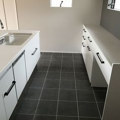 Kitchen/ラクシーナ/Panasonicキッチンのインテリア実例 - 2018-07-29 07:29:27 | RoomClip (ルームクリップ) Tile Floor, Flooring, House, Home, Tile Flooring, Wood Flooring, Homes, Floor, Houses