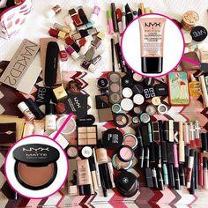 A blogueira @diadebeaute, que a gente adora, está se preparando para uma sessão de fotos e olha o que nós encontramos entre os produtos que ela levou para fazer a maquiagem: o Matte Bronzer e o iluminador Born to Glow da NYX