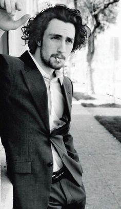 Aaron Johnson.. So beautiful