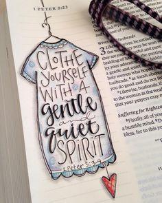 I Pedro 3:3Que vuestro adorno no esté en el exterior, en peinados, joyas y modas, 3:4sino en lo oculto del corazón, en la incorruptibilidad de un espíritu dulce y sereno: esto es precioso ante Dios.