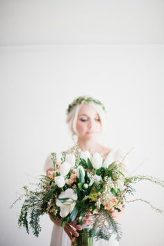 White tulips and peach flowers: http://www.stylemepretty.com/oregon-weddings/portland/2015/05/14/intimate-portland-waterfall-elopement/ | Photography: Her & Everything - http://www.herandeverything.com/