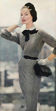 Best Clothing Styles For Women Over 50 - Fashion Trends Moda Retro, Moda Vintage, Vintage Mode, Vintage Style, Fashion 60s, Fashion History, Fashion Models, Club Fashion, Fashion Vintage