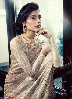 Pakistani Suffuse Luxury Fashion By Sana Yasir by Sana Yasir true to its name has permeated Pakistani luxury fashion with its endearing delicate designs. Bridal Sari, Pakistani Bridal Wear, Pakistani Outfits, Saree Wedding, Indian Outfits, Bridal Elegance, Pakistani Couture, Asian Bridal, Indian Beauty Saree