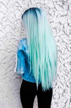 Hair Color 2018 Green hair is a fun way to spice up your style. - - Haarfarben Ideen - Hair Color 2018 Green hair is a fun way to spice up your style. - Hair Color 2018 Green hair is a fun way to spice up your style. Hair Color 2017, Color Your Hair, Ombre Hair Color, Blue Ombre, Aqua Hair Color, Blonde Color, Cute Hair Colors, Hair Dye Colors, Cool Hair Color
