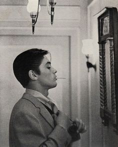 Alain Delon for Japan Magazine, 1961 Cinema, Poses, Old Hollywood, Pretty People, Vintage Men, Actors & Actresses, Beautiful Men, Haha, The Past