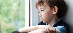 Ποια είναι τα συχνότερα λάθη των γονιών στον τρόπο που μεγαλώνουν τα παιδιά και πώς αυτά καταστρέφουν τον ψυχισμό τους.