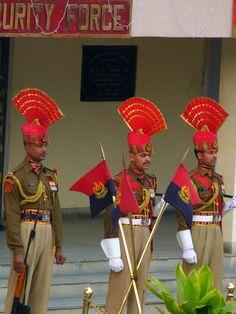India-Pakistan Border. Closing Ceremony, Amirtsar, Punjab, India // Frontera India-Pakistan. Ceremonia de Cierre, Amirtsar, Punjab, India.
