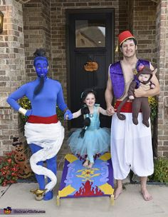 Aladdin Family Halloween Costume Contest At Costume Works Com - Dance Leotards Disney Halloween, Sister Halloween Costumes, Halloween Costume Contest, Cool Costumes, Halloween Kids, Halloween Work Outfit, Jasmine Halloween Costume, Trio Costumes, Scooby Doo Costumes