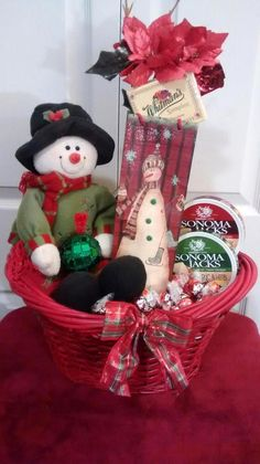 Red & Green Wine, Crackers, Cheese, Asst Chocolates Festive Snowman Gift Basket $60 @Ebay