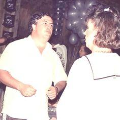 Pablo Emilio Escobar, Pablo Escobar, Macho Alfa, Chapo, Cash Money, Mafia, Goals, Supreme Wallpaper, Teachers