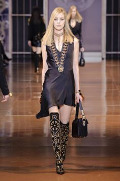 Versace F/W 2014 for more follow pyra2elcapo