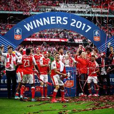 Arsenal defeat Chelsea to clinch Record FA Cup Crown Arsenal Fc Players, Arsenal Football, Free Football, Football Soccer, Soccer Players, Football Info, Football Stuff, Basketball, Sports