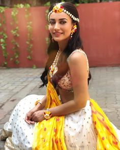 Get Help Planning Your Perfect Wedding Day – Gowns 4 Weddings Indian Tv Actress, Beautiful Indian Actress, Beautiful Bride, Beautiful Women, Victorian Wedding Themes, Types Of Wedding Cakes, Indian Wedding Couple Photography, Indian Wedding Hairstyles, Indian Beauty Saree