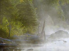 Lever de soleil sur le Lac Cromwell - Station de biologie des Laurentides - Saint-Hippolyte - Canada
