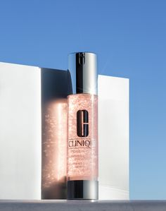 今井 健司 KENJI IMAI photographer #clinique #stilllife Photography Career, Still Photography, Photography Branding, Fashion Photography, Beauty Ad, Beauty Makeup, Cosmetics & Perfume, Beauty Packaging, Bottle Design